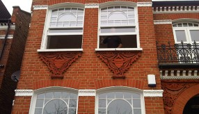 2 Sash Smart working in Elmbourne Road SW17